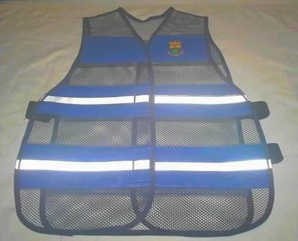 """< img src="""" coletes-refletivos-guardas-municipais.222.jpg"""" alt=""""colete refletivo tipo blusão para guardas municipais"""">"""
