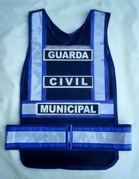 """< img src=""""coletes-refletivos-guardas-municipais.GCMV01MM.jpg"""" alt=""""colete refletivo tipo manta para guardas municipais"""">"""