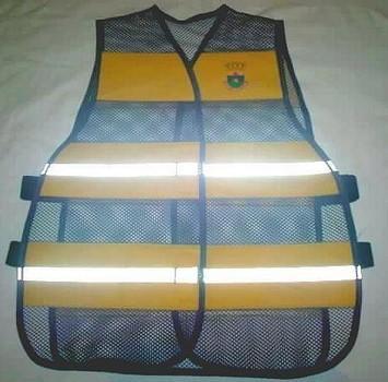 """< img src=""""coletes-refletivos-guardas-municipais.colete1MM.jpg"""" alt=""""colete refletivo tipo blusão para guardas municipais"""">"""